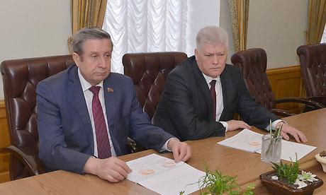 Губернатор Богомаз провел рабочую встречу с управлением АО «Мальцовский портландцемент»